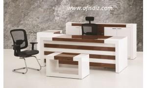 Agora makam masa takımı